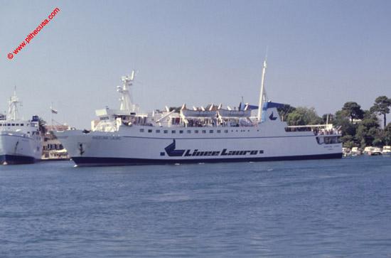 Collegamenti marittimi con l 39 isola d 39 ischia - Porta di massa napoli ...